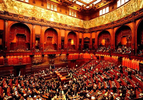 意大利政治专业大学