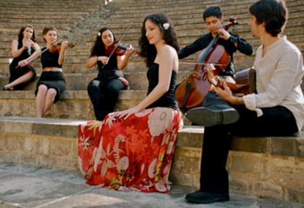 西班牙音乐表演
