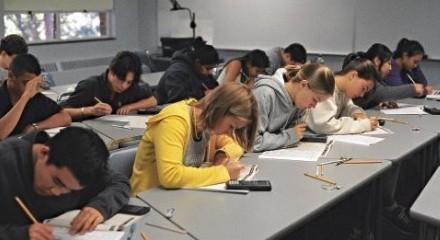 <a href='http://us.aoji.cn' target=_blank>美国留学申请</a>条件中哪些是最重要?