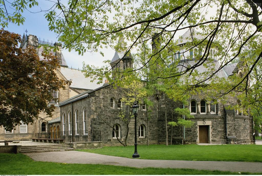 加拿大留学选学校如何确定地区?