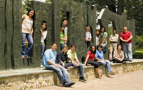 2017年加拿大留学转学生需要提交哪些材料?