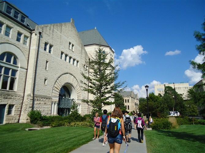 为什么美国大学更重视后一两年的成绩
