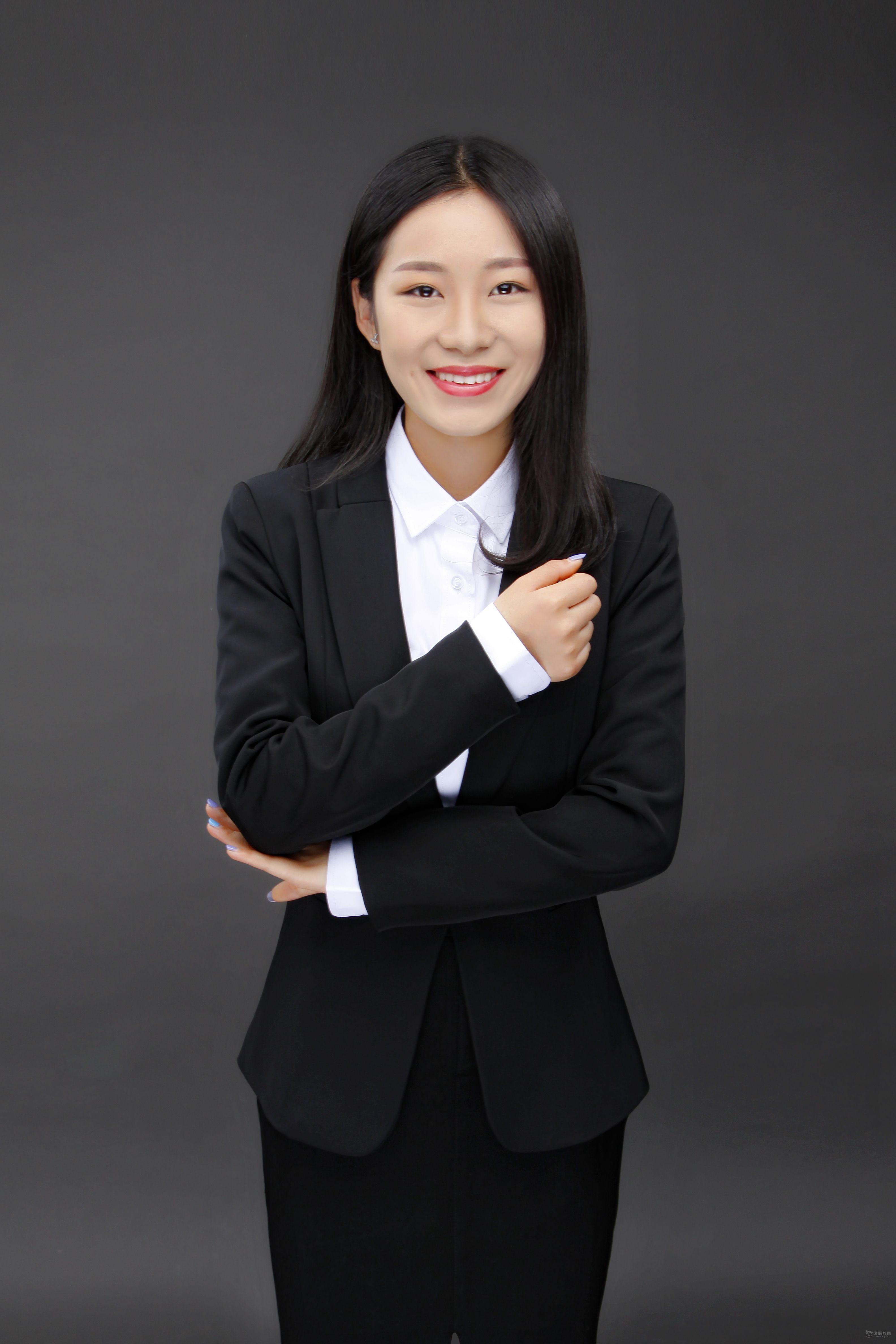 职业装-张楠 澳际留学团队