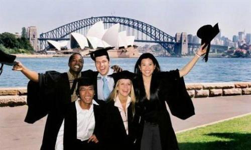 澳大利亚留学,入境前需准备...
